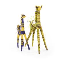 Giraffe  Raphia gefärbt + bemalt